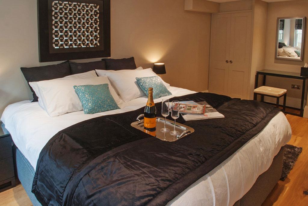 Bedroom-APRT-HOME-12