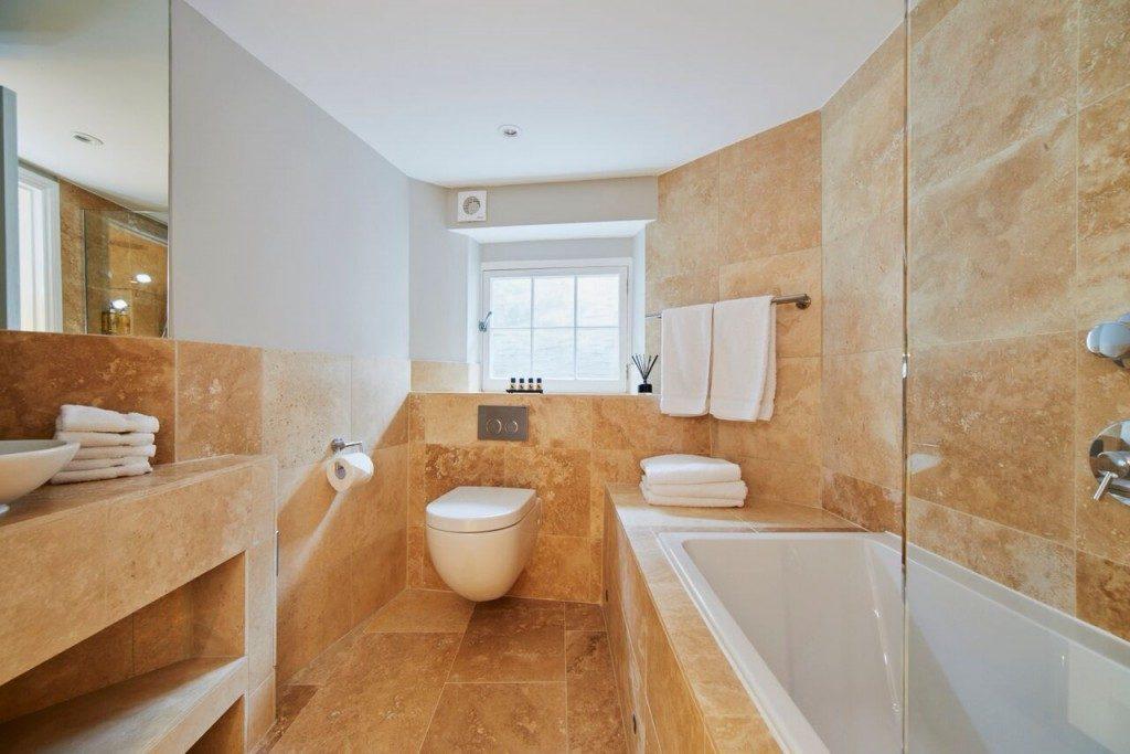 camden-lodge-bathroom-1024x683-1024x683