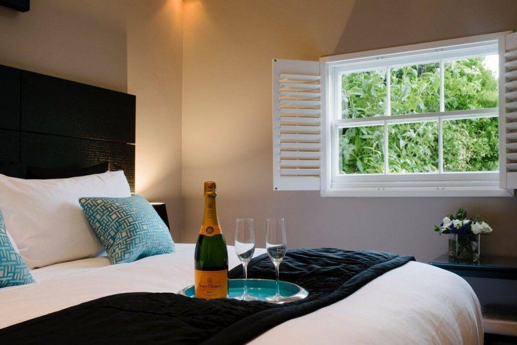 camden-lodge-bedroom-2-1024x683-1024x683