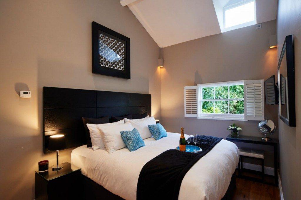 camden-lodge-bedroom-3-1024x683-1024x683