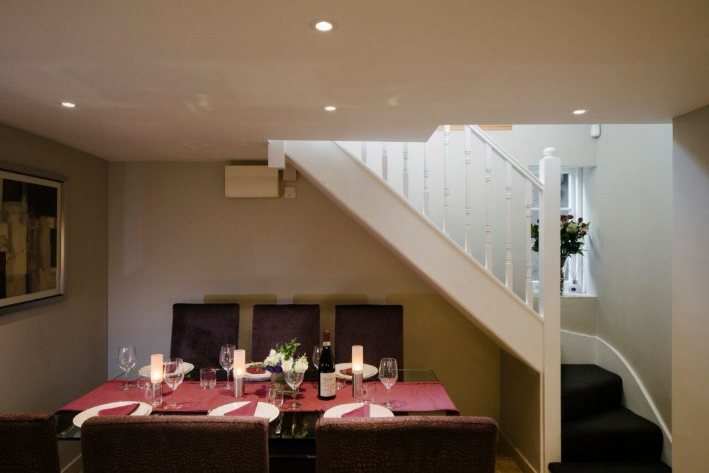 camden-lodge-dining-1024x683-1024x683