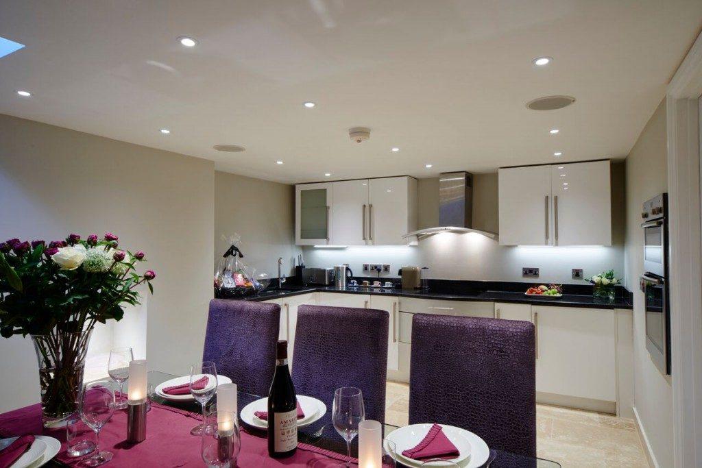 camden-lodge-kitchen-1024x683-1024x683